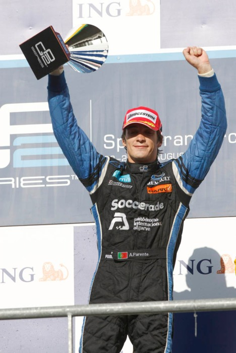 parente_spa_podium